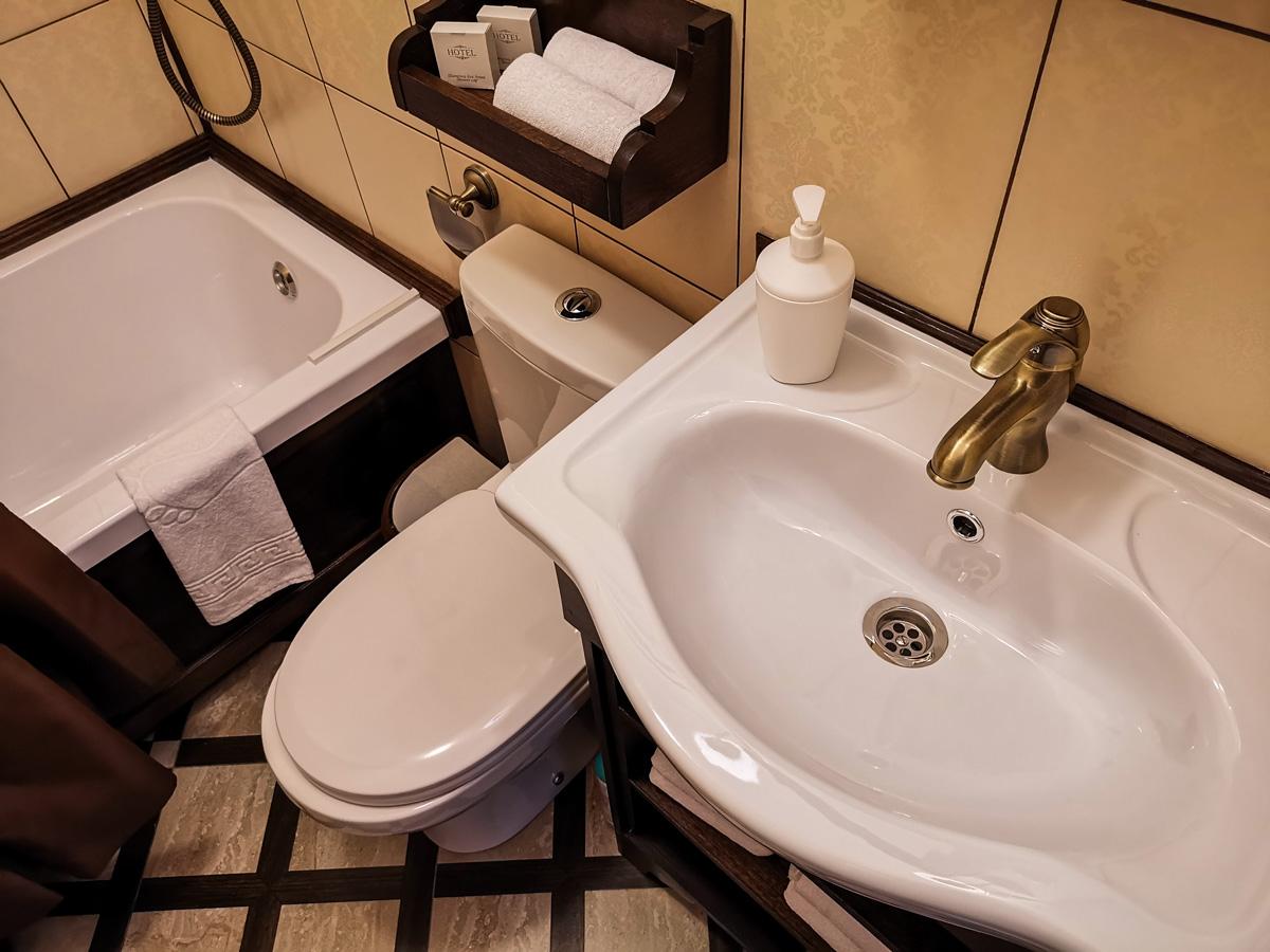 Ванная комната небольшая, но очень продумана, комфортна и практична.
